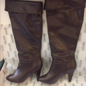 Colin Stuart knee high boots size 8